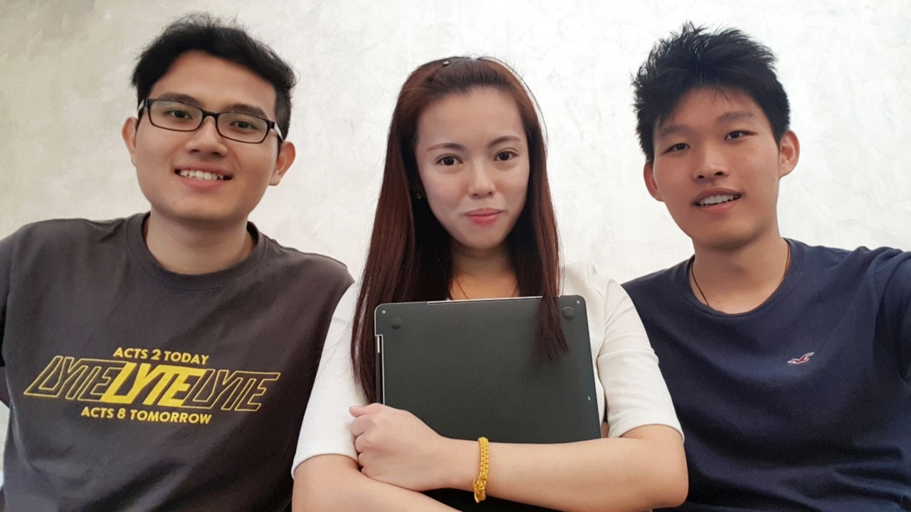 Jasmine with her competition team-mates from SIT: (from left) Chu Jia Hao, Diploma in Engineering Informatics and Li Yuan Xin, Diploma in Information Technology.